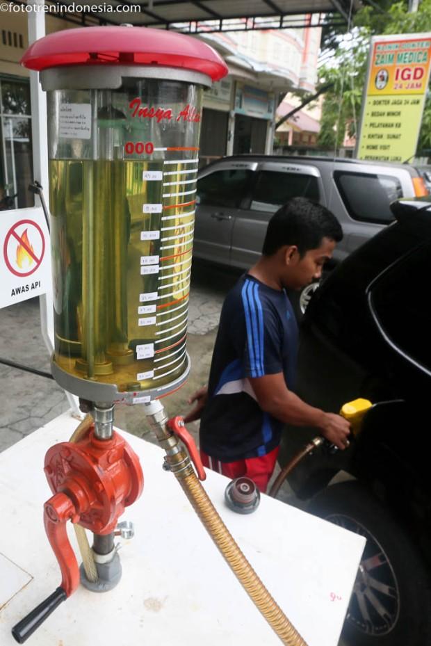 antarafoto pompa pertamini 060115 irp 5 Jual bensiin eceran Pertamini di Aceh